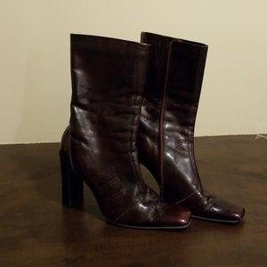 Mid-length maroon boots